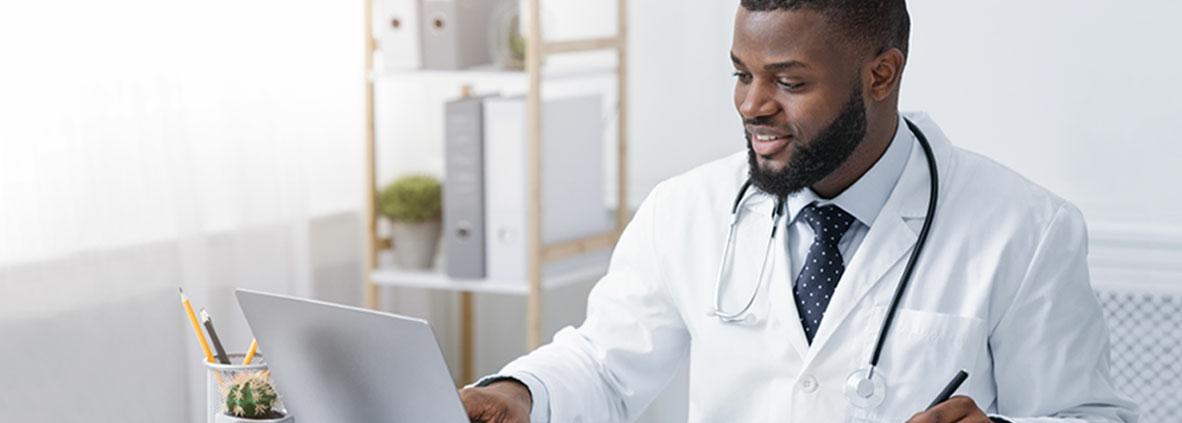 Vantagens da terceirização na gestão de finanças para médicos